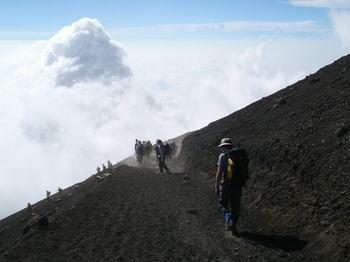 Mt_fuji_dscend.jpg