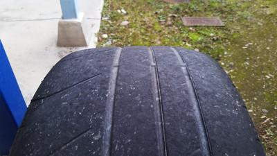 R35_tire1.jpg